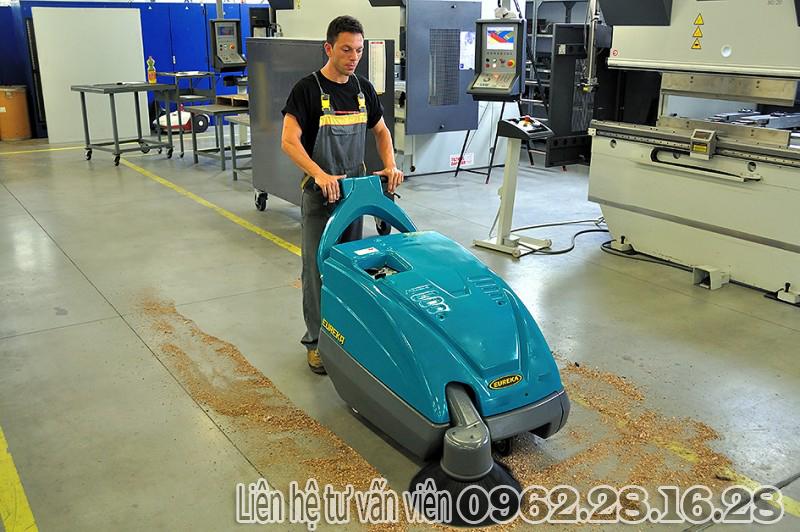 máy quét rác công nghiệp | máy quét rác đẩy tay | máy quét rác | may quet rac cong nghie | may quet rac cong nghiep kobra-550-eb